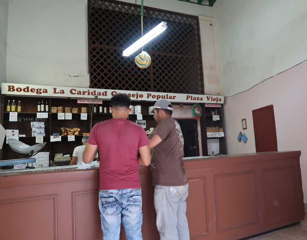 Bild eines Supermarktes für Einheimische in Havanna auf Kuba