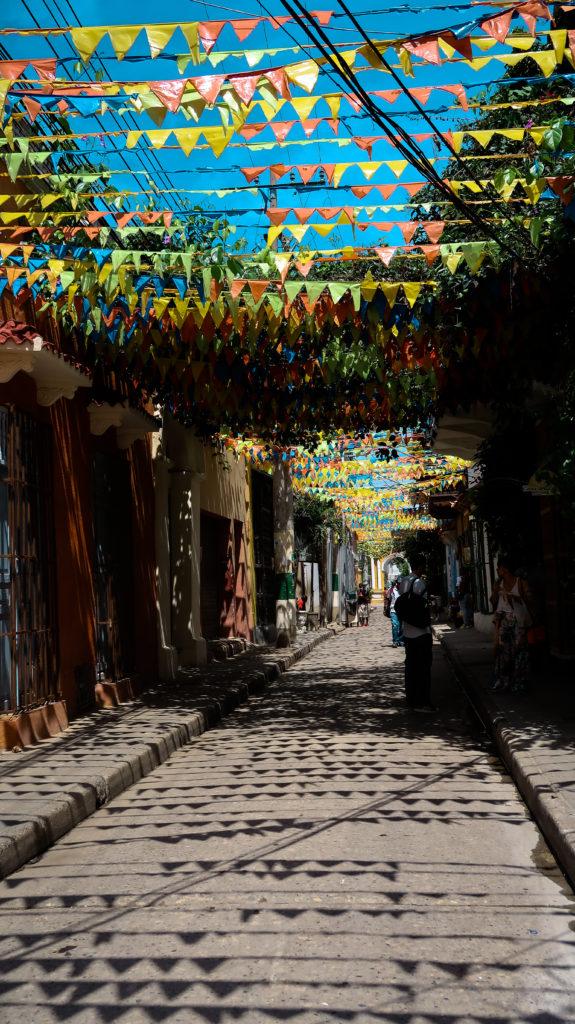 Cartagena im Norden Kolumbiens ist sehr bunt.