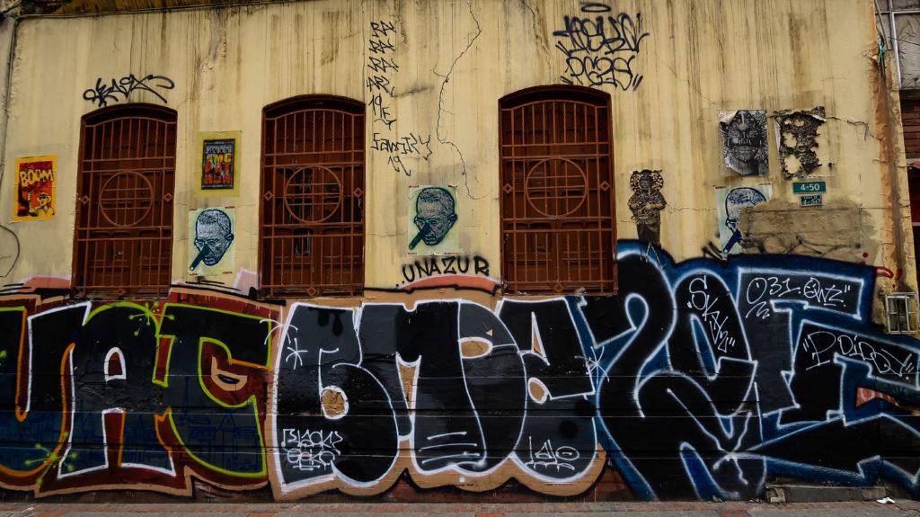 Gesprayter Schriftzug in Bogota