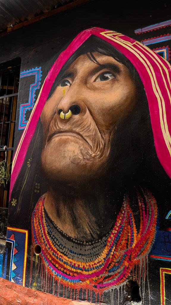 Graffiti in der Calle del Embudo in Bogotá