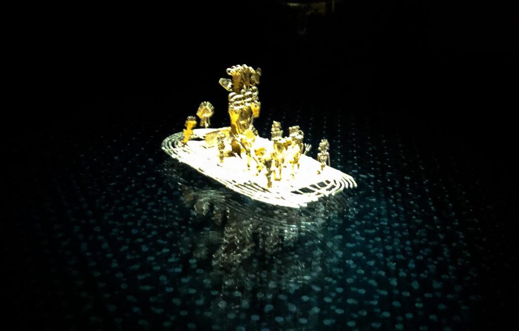 Goldfloß von Eldorado im Moseum del Oro in Bogotá